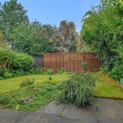 18 Glendower Park