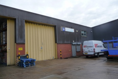 Light industrial unit with forecourt Unit 16, Hunslet Trading Estate, Severn Road