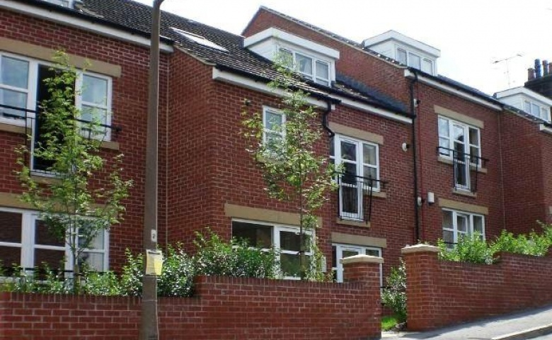 2 Abbey Court, Vicarage Mews