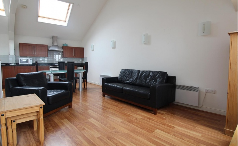 Flat 6, 12A Albion Place