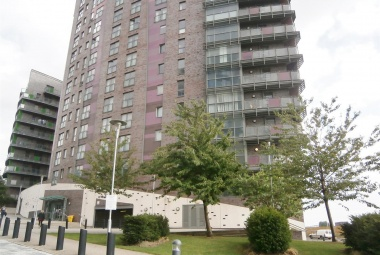 39 Echo Central One