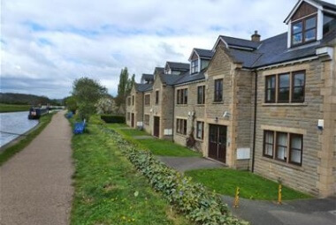 Flat 17, 9 Calverley Bridge